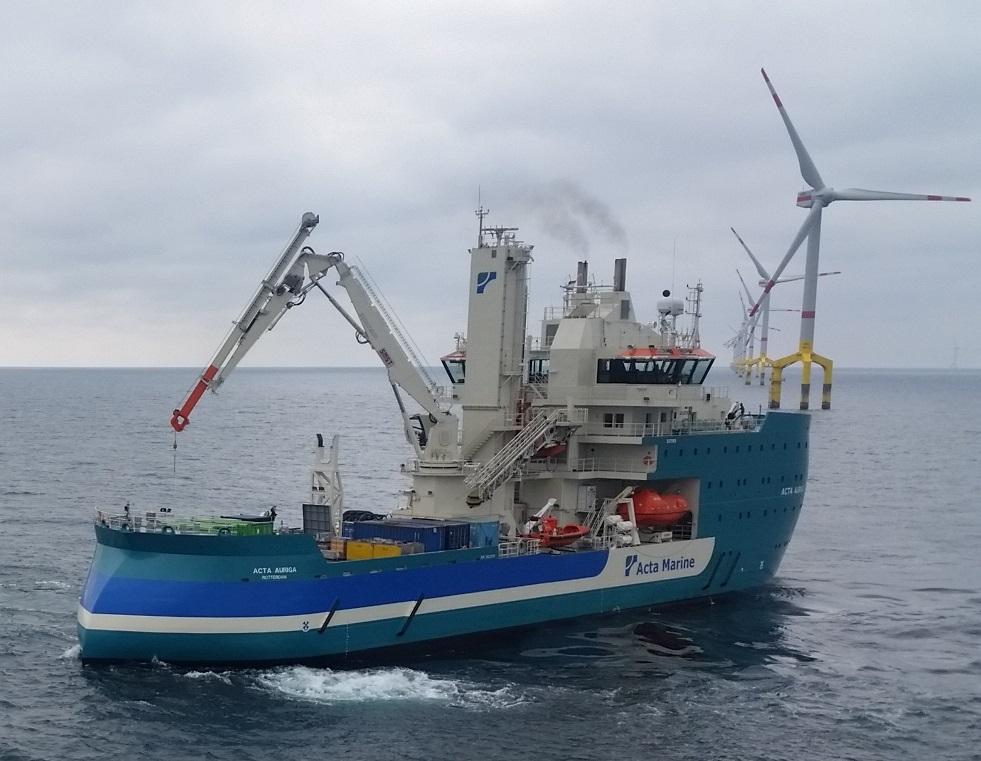Die Acta Auriga, eines der zwei Serviceschiffe im Windpark BO1, OBE