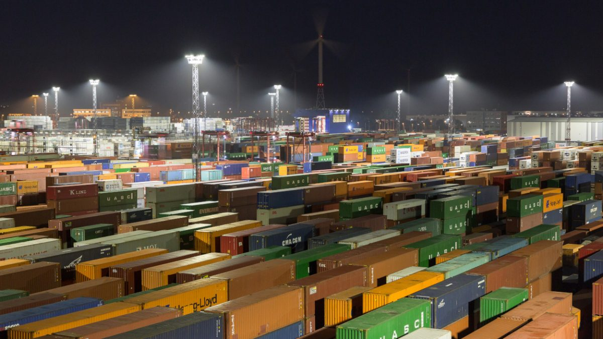 Moderne LED-Beleuchtung am Containerterminal Bremerhaven, Bild: Philips Lighting