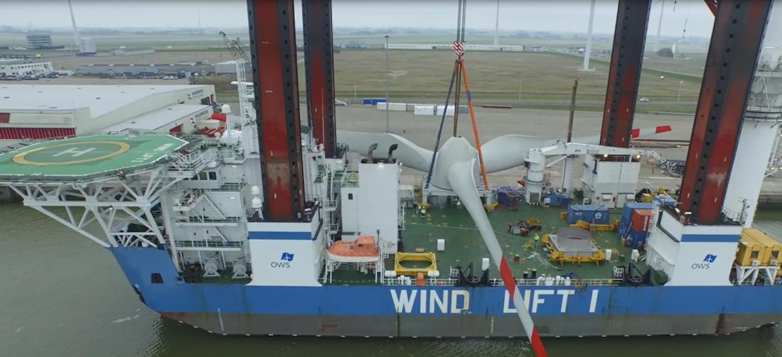 Die Windlift 1 ist für große Reparaturarbeiten im Windpark eingeteilt, OBE