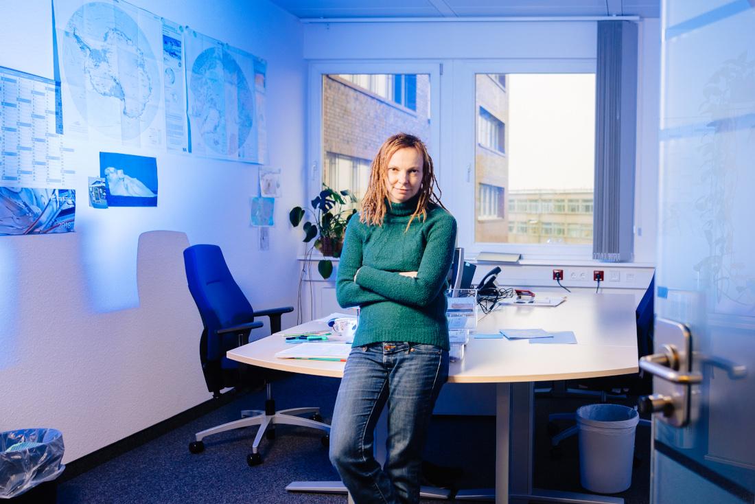 Froh, in Bremen zu sein: Dr. Anja Frost in der DLR-Forschungsstelle, Bild: WFB/Jonas Ginter