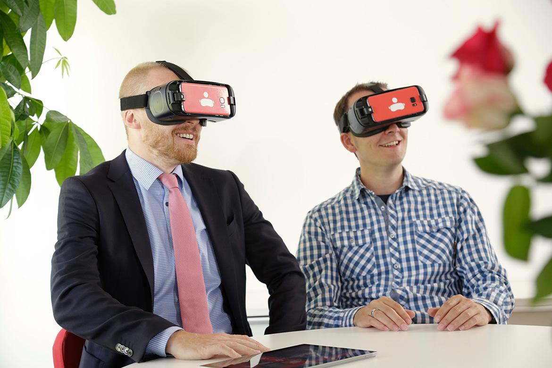 Gemeinsam mit dem Bankberater in der VR-Welt von engram, Bild: engram