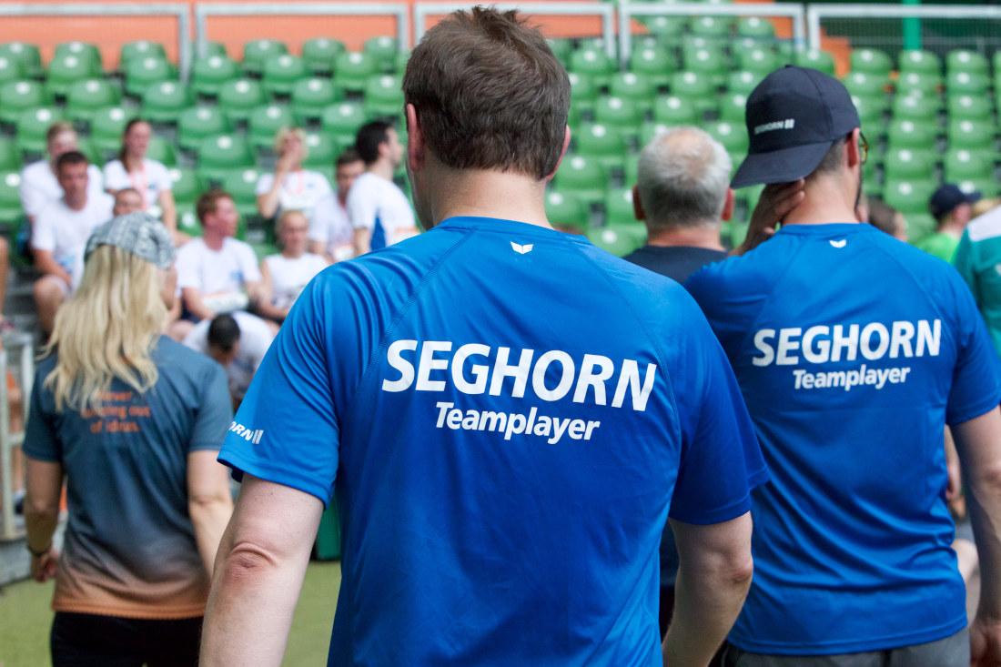 Ob im Berufsalltag oder beim Sport: Bei der Seghorn AG ist Teamfähigkeit gefragt. Bild: Seghorn