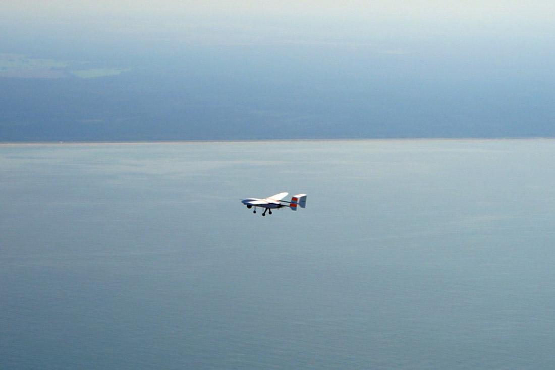 LARUS-System im Flug über der Ostsee
