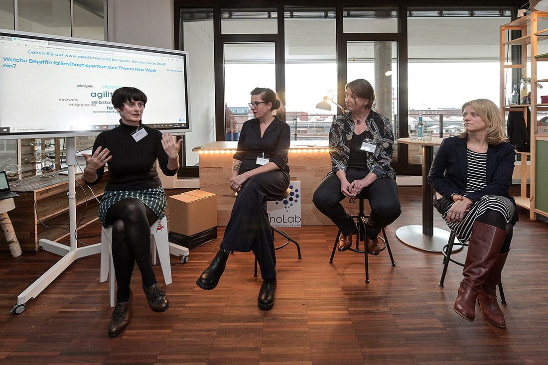 """Referentinnen des """"New Work""""-Stammtischs, v.l.n.r.: Anja Oden, Andrea Kuhfuß, Yvonne Bauer (SWAE), Jana Meitzner, Bild: WFB/Bahlo"""