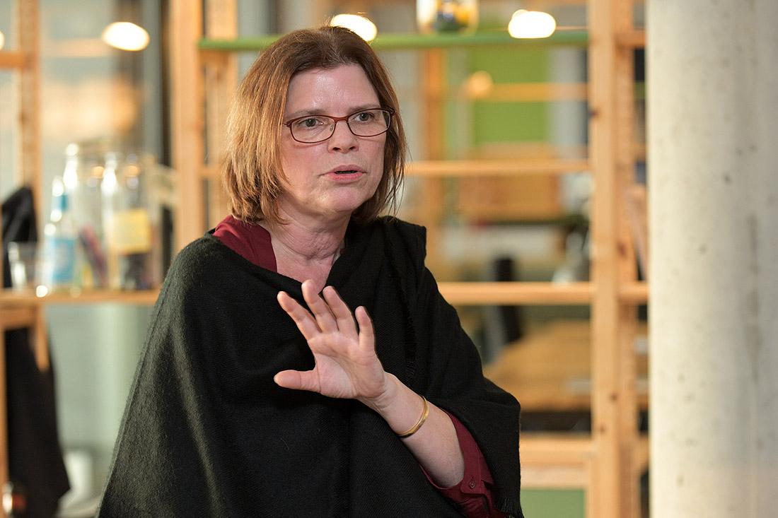 Diskutiert beim Stammtisch für Personalverantwortliche mit: Bremens Wirtschaftssenatorin Kristina Vogt, Bild: WFB/Bahlo