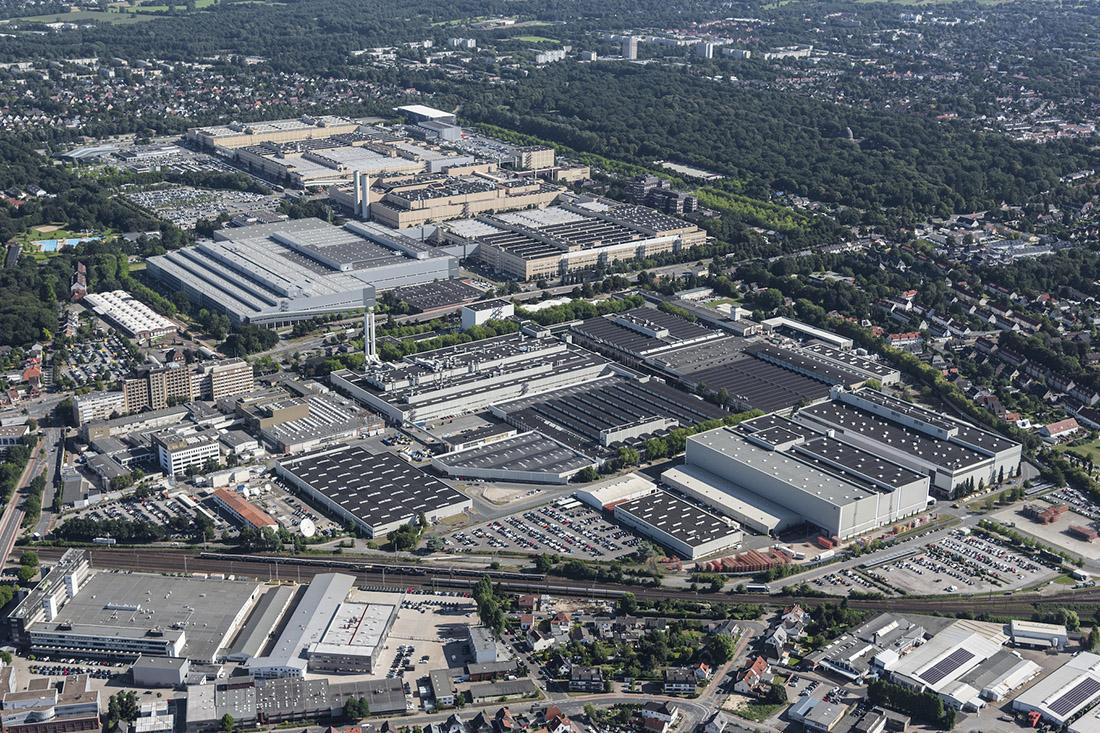 """Personalprozesse im Mercedes-Benz Werk Bremen analysieren: Eine Aufgabe der Studierenden in den """"future concepts bremen"""", Bild: WFB/Studio B"""