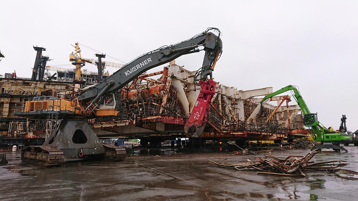 Häfen und Unternehmen, wie hier das bisher auf Ölbohrplattformen spezialisierte norwegische Unternehmen Kvaerner, bringen sich für den Offshore-Recyclingmarkt in Stellung, Bild: Western Norway University of Applied Sciences (HVL)