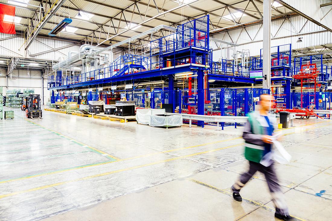 Prozesse entzerren, Hygienevorschriften einhalten: In der Produktion und Logistik unverzichtbar (Archivbild), Bild: WFB/Ginter