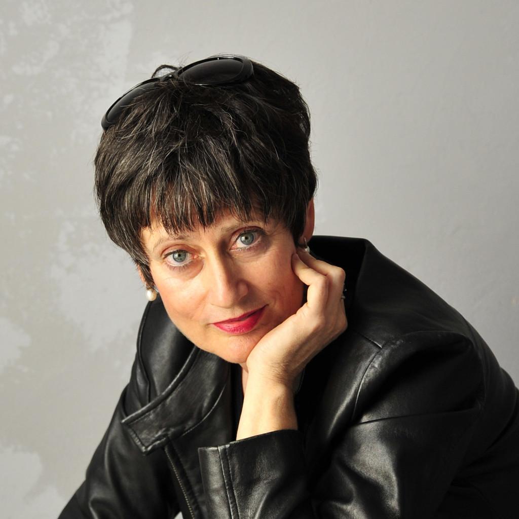 Anja Oden, Leiterin der Ausbildung im Mercedes-Benz Werk Bremen. Bild: Daimler